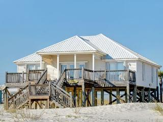 """Beachside"" 3 Bedroom 2 Bath Sleeps 8, Gulf Waterfront Pet (Dog) Friendly!, Dauphin Island"