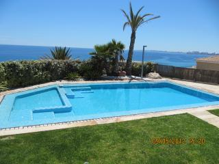 luxury & comfortable for big family or frendly com, Campello