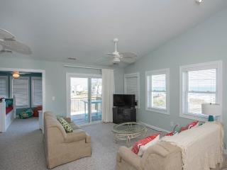 Heels on the Beach - Ocean views and lots of decks, North Topsail Beach
