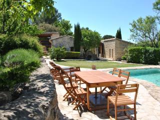 Maison de charme dans les collines provençales, La Roque sur Pernes