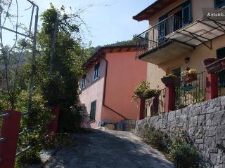Appartamento  casa  Gialla  (Trii Basei), Casarza Ligure
