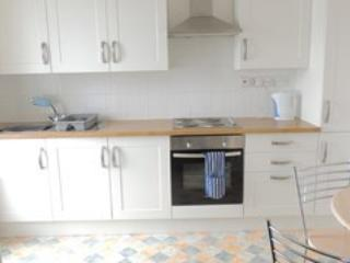 Kitchen and Dining for 4 Guests