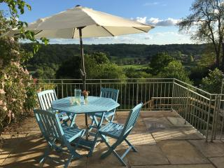 Period property with superb views 10 min from Bath