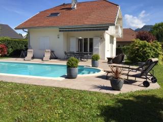 SAINT-JORIOZ, maison avec Piscine, 500M du lac, 8, Saint-Jorioz