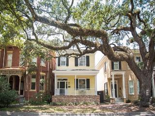 Stay Local in Savannah: Historic 3 Bedroom Home on Oak Shaded Tattnall St.