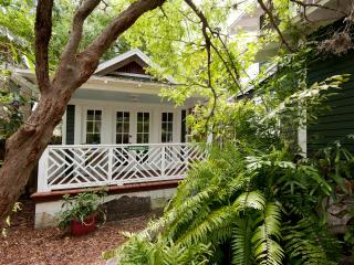Private Guest Cottage in St. Pete, San Petersburgo