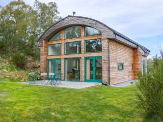 THE BELL, eco-friendly, woodburning stove, quirky summerhouse, Nairn, Ref 5324