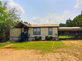 Secluded 3/2 manufactured home! Wildlife everywhere! Close to the River!, Canyon Lake
