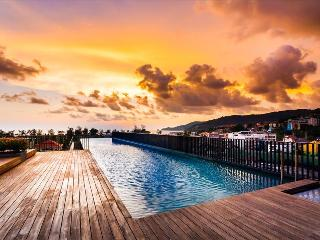 Mountain view luxury studio with pool & gym, central Patong.263