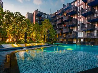 Amazing pool access apartment in the heart of Patong