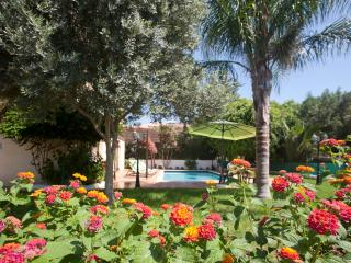 Reginas Royal Sylvia 4BDR,PRIVATE POOL,GARDEN,WIFI