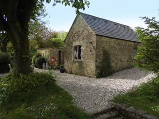 Little House on the Cotswolds - A luxury converted stable with beautiful views!