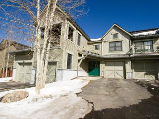 Walk to Lifts/Town, Mountain Views, Luxury Unit, Breckenridge