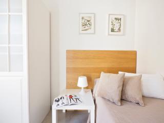 Gaudi Apartments II (Freser 2-1), Barcelona