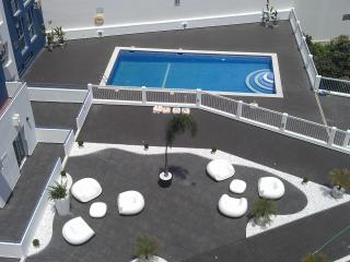Old Town  Bay View Apartment 210 Perfect Location Pool View (Free Wifi)