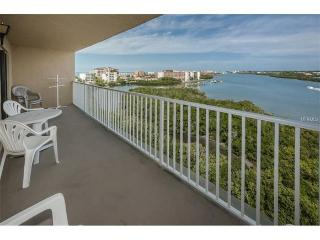 Stunning waterviews with beach access 500' away, Indian Shores