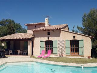 Villa Provencale swim pool,10mn from sea,nearVence
