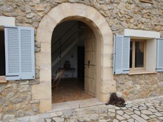 Country casita in the foothills of the Tramuntana