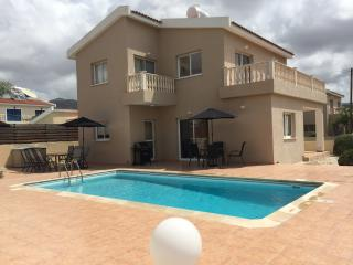Luxury 3 Bed Villa Private Pool, Peyia