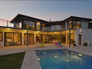 Modern villa near Puerto Banus and golf