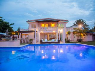 Casa Canal- the Ultimate Casa, Rincon's Premier Luxury Beach/canalfront Villa !!