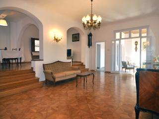 FLORENCE AT YOUR FEET! (apt.3S) luxury apt wifi AC lift