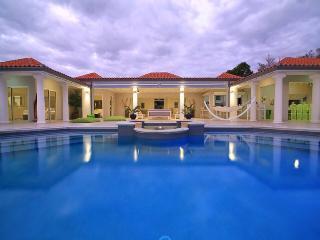Villa Giselle, Terres Basses