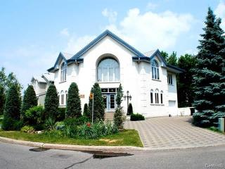 Bachelor for rent, Longueuil