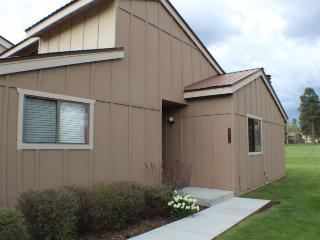 Charming vacation condo in Pagosa Springs, centrally located in the Pagosa Lakes.