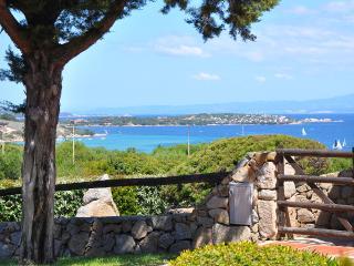 Bilocale patio vista mare - 800 mt dalla spiaggia