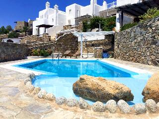 Lovely Villa with pool and excellent calm view, Città di Mykonos