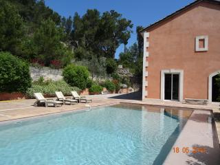 Villa 10 pers dans pinède, Gde piscine, vue, calme, Beaucaire
