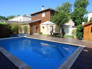 Maison de standing avec piscine pour 6 personnes, Libourne