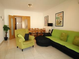 Casa Giblin 3 bedroom apartment great for kids & free wi fi, extra large terrace