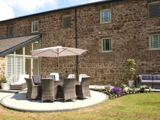 5**Luxury Barn, Haverfordwest, Pembrokeshire, Canaston Wood