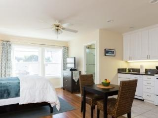Furnished Studio in Huntington Beach