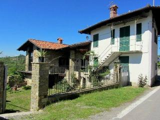 Panoramic accommodation in a authentic farmhouse completely renovated