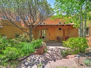 3BR Santa Fe Home w/Breathtaking Arroyo Views