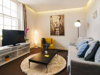 Fulham Road Residence apartment in Hammersmith {#…