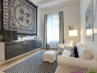 Zanobi apartment in Piazza della Libertá {#has_lu…