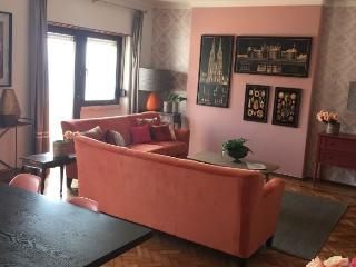 Apolonia VII Frontal apartment in Graça {#has_lux…, Lisbona