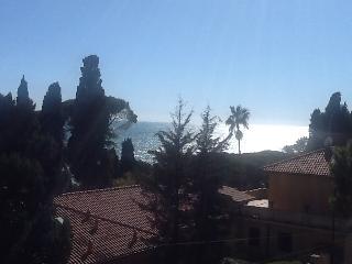 GRAZIOSO BILOCALE FRONTE MARE A SANREMO, Sanremo