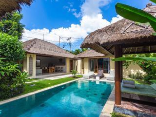 Traditional Semi Modern Private Pool Umalas Villa