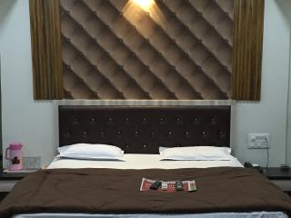 12 Star Garuda, Pune