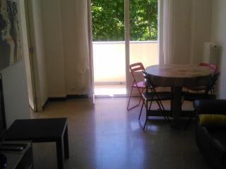 Appartement lumineux, proche commerces et plages, Toulon
