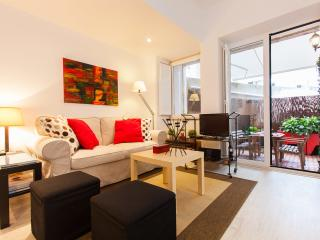 Living Room Apartment in central Lisbon with a private terrace! Welcome to Lisbon!
