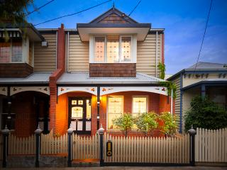 Merri61sunny 3 bedroom house in great location, Brunswick