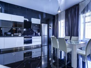 SutkiPeterburg Luxury apartment with designer interiors and sauna