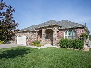 Putters Paradise- Beautiful 5 Bedroom home located at Branson Creek, Hollister