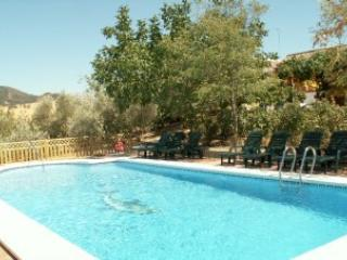 Walnut Farm: Casa Rosa sleeps 4, private pool wifi